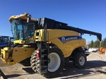 Combine : 2013 New Holland CR7[...]