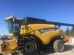 Combine : 2012 New Holland CR7[...]