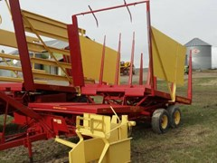 Bale Wagon-Pull Type For Sale New Holland 1032