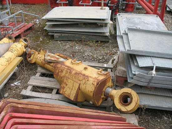 2000 Caterpillar D10R Attachment For Sale