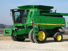 Combine For Sale 2006 John Deere 9560STS