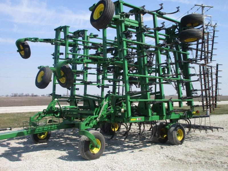 2009 John Deere 2210 FH Field Cultivator For Sale