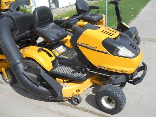 Cub Cadet i1046 Riding Mower For Sale