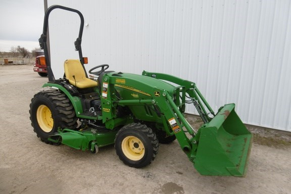 2007 John Deere 2520 Tractor - Compact Utility For Sale