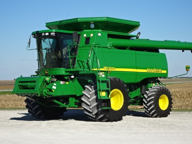 2005 John Deere 9860 Combine For Sale