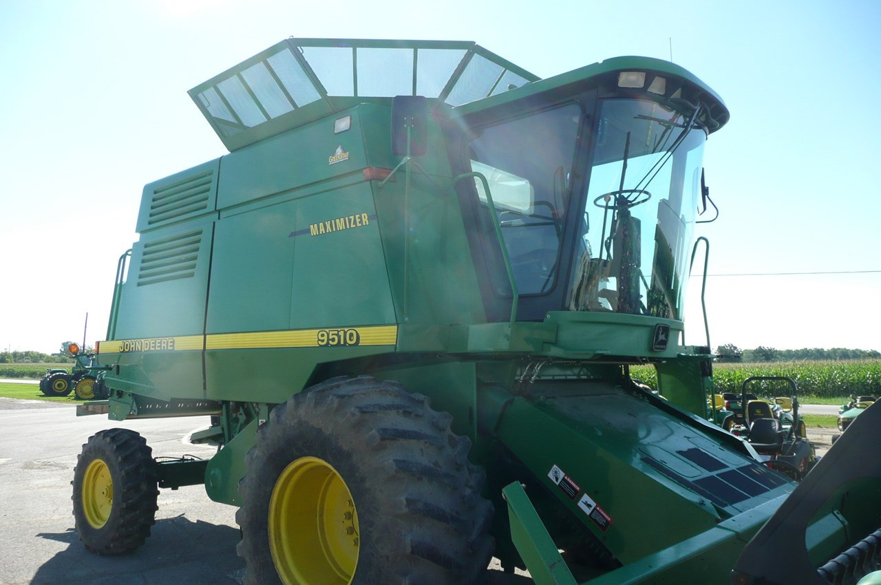 1998 John Deere 9510 Combine For Sale