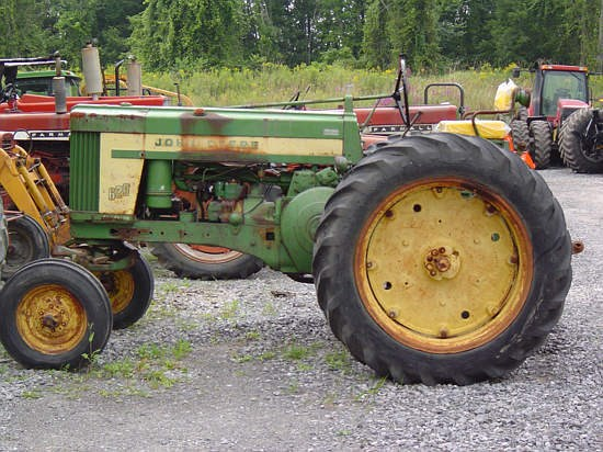 1958 John Deere 620G Tractor For Sale