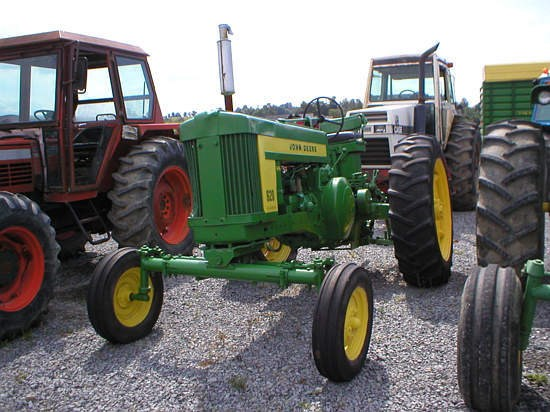 1958 John Deere 620G Tractor For Sale