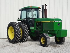 Tractor For Sale 1991 John Deere 4555