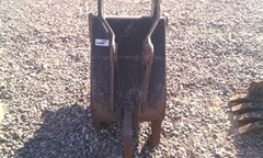 Bucket :  Woods Equipment Company 18IN