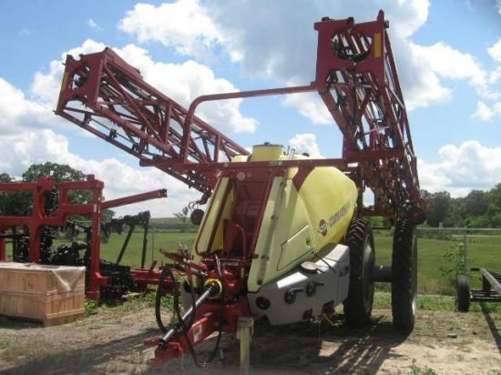 2011 Hardi COMMANDER Sprayer-Pull Type For Sale