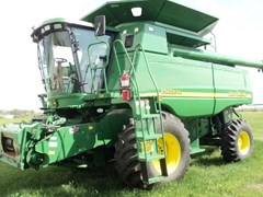 Combine For Sale:  2005 John Deere 9560
