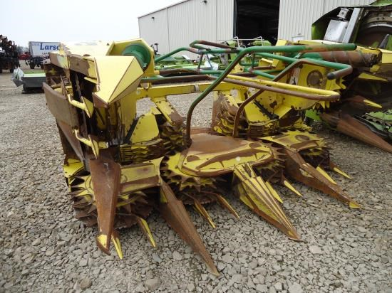 2004 John Deere 686 6R30 Forage Head-Row Crop For Sale