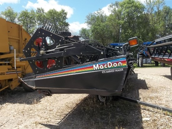 2005 MacDon 973 Header-Auger/Rigid For Sale