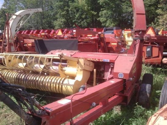 1997 New Holland 900 Forage Harvester-Pull Type For Sale