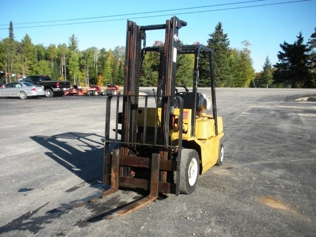 1985 Nissan P4000 Lift Truck/Fork Lift-Industrial For Sale