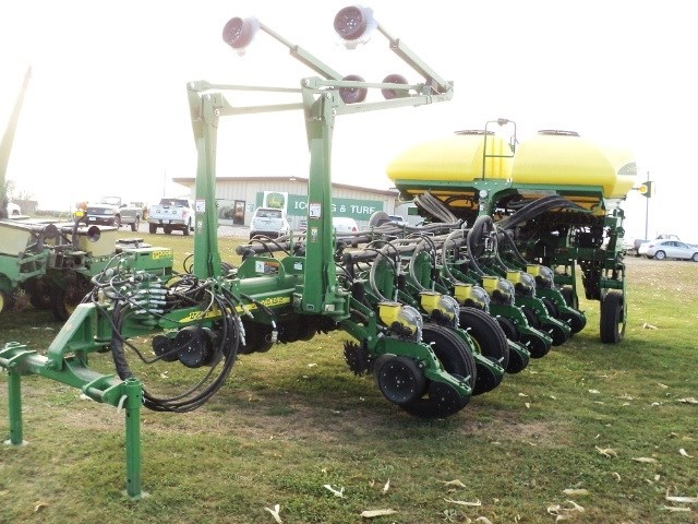 2014 John Deere 1770 16x30 Planter For Sale