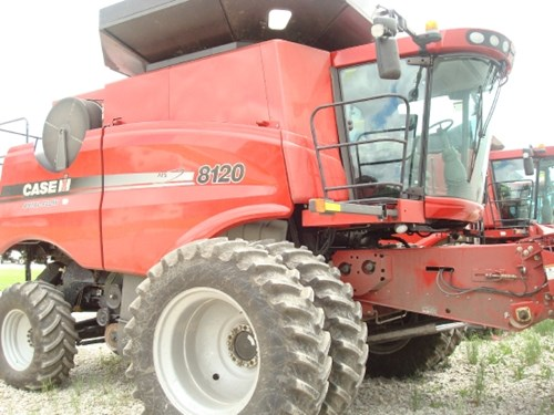Combine For Sale:  2009 Case IH 8120