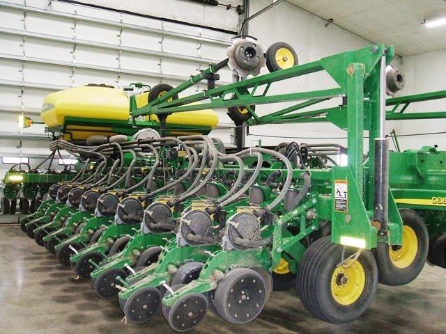 2014 John Deere DB60 47/15 Planter For Sale