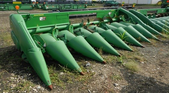 2010 John Deere 608C Header-Corn For Sale
