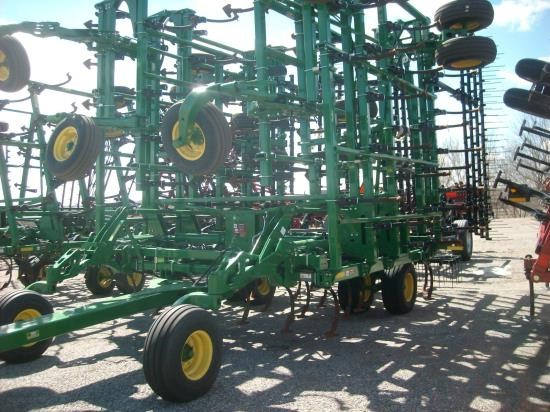 2013 John Deere 2210 54.5 Field Cultivator For Sale