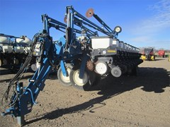 Planter For Sale:  2002 Kinze 3700
