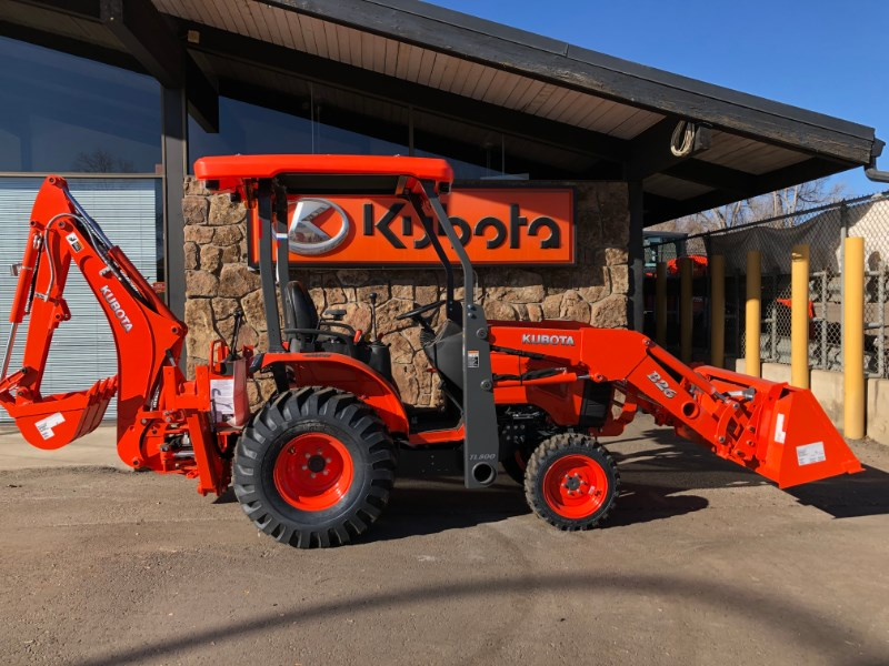 2021 Kubota B26TLB, Loader Backhoe