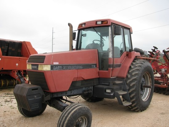 1990 Case IH 7110 Tractor For Sale