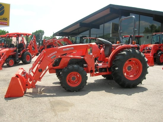 2020 Kubota MX5400HST, Tractor For Sale