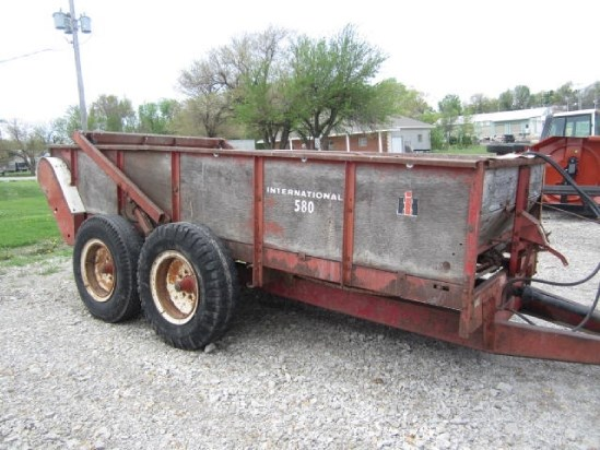 Ih Manure Spreader : Ih manure spreader dry pull type for sale