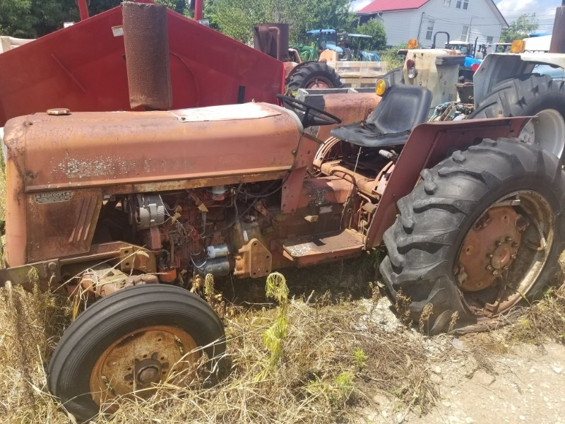1977 IH 464 Tractor For Sale