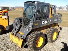Skid Steer For Sale:  2014 John Deere 320E