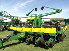 Planter For Sale:  1997 John Deere 1760 12x30