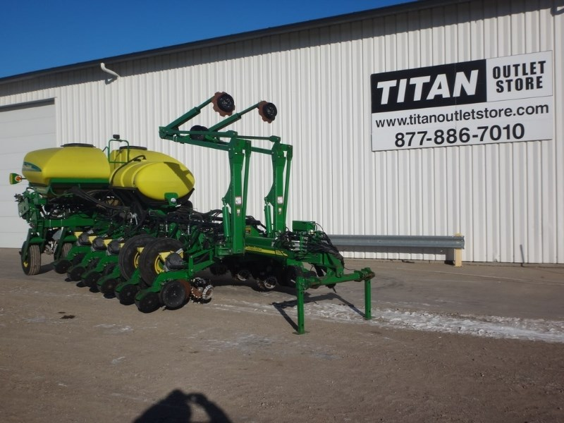 2011 John Deere 1770, 16R30,Pneum Down,Sgl Row Shut offs,Precision Plantadora a la venta