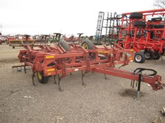 Field Cultivator For Sale:  1988 Sunflower 5131-24