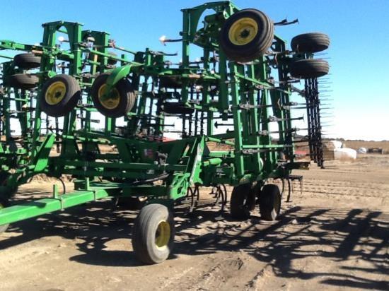 2013 John Deere 2210 50.5 Field Cultivator For Sale