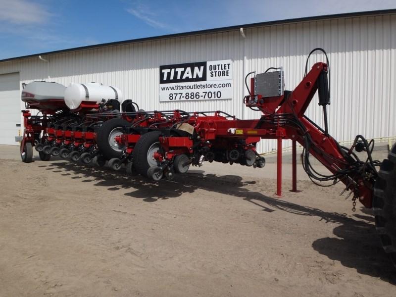 2014 Case IH 1255, 24R30, Liq Fert, Vac Meter, Trash Wheels Plantadora a la venta