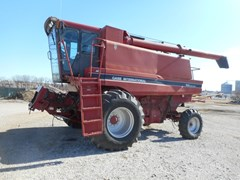 Combine For Sale 1994 Case IH 1688
