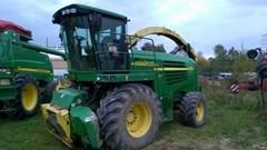 Forage Harvester-Self Propelled For Sale:  2006 John Deere 7400