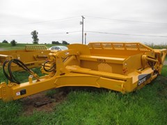 Scraper-Pull Type For Sale 2004 John Deere 1812C