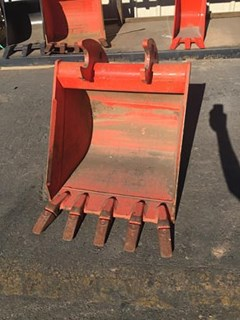 Bucket :  Kubota 24IN