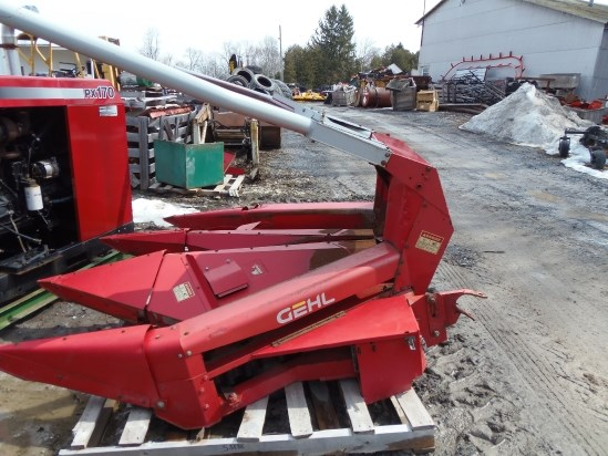 Gehl TR330 Header-Row Crop For Sale