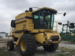 Combine For Sale:  1994 New Holland TR87