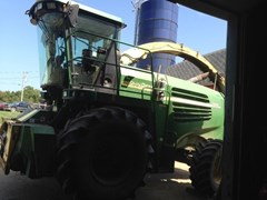 Forage Harvester-Self Propelled For Sale:  2003 John Deere 7400