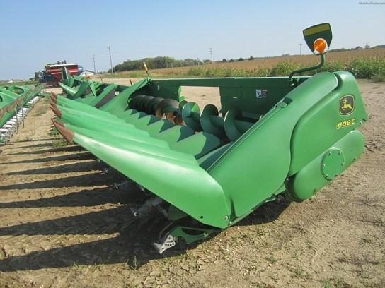 2011 John Deere 608C Header-Corn For Sale