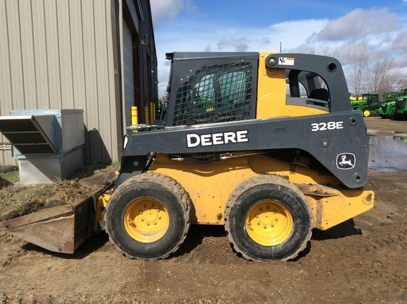 2013 John Deere 328E Skid Steer For Sale