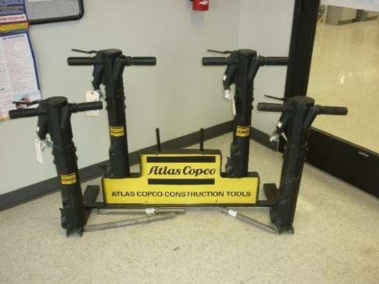 2011 Atlas Copco P60, 68 lbs, 1500 Blows/Minute  Hammer-Air a la venta
