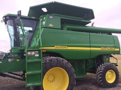 Combine For Sale:  2004 John Deere 9560 STS