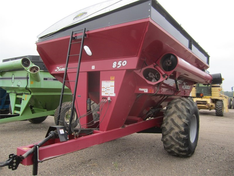 2008 Demco 850 Grain Cart For Sale