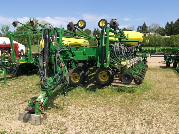 2008 John Deere DB60 Planter For Sale